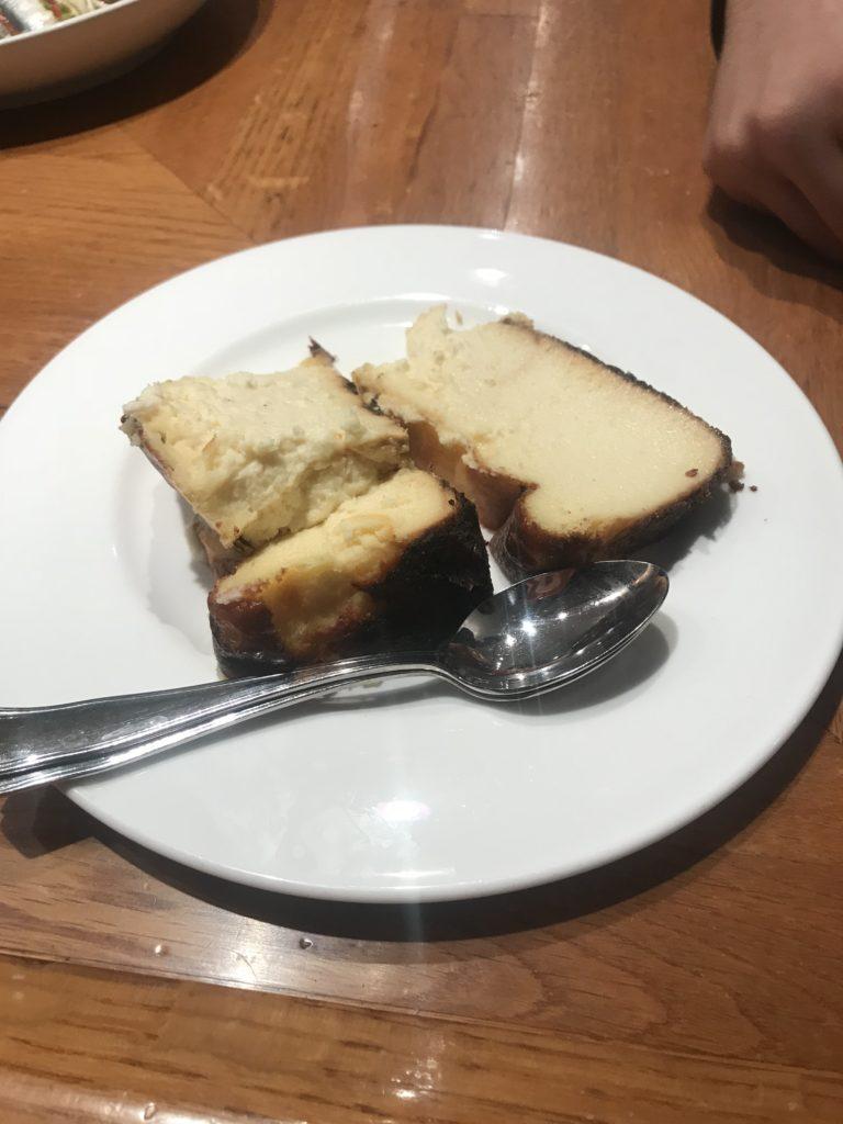 サンセバスチャン  ラヴィーニャ バスクチーズケーキ1